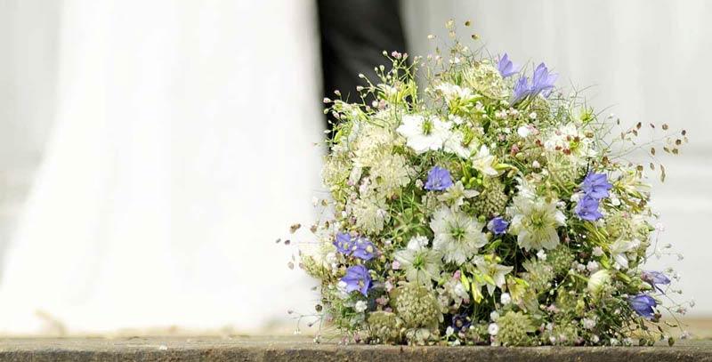 Florist Fur Brautstrauss Hochzeits Dekoration In Dresden